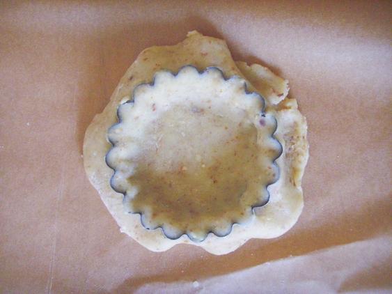 apricot tartlets - dishonored - tartaletki migdałowe z masą z mascarpone i morelami (5)