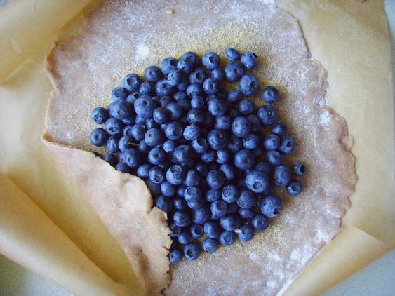 jazbay crostata - juniper berry crostata - skyrim - crostata z borówkami - 5