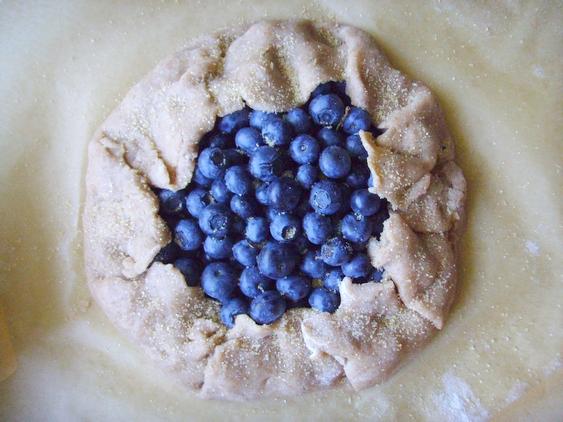 jazbay crostata - juniper berry crostata - skyrim - crostata z borówkami - 6