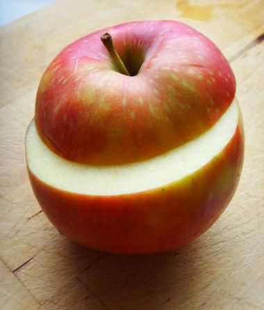 pieczone-jablko-wiedzmin-3-dziki-gon-z-dodatkiem-bakalii-i-sosu-karmelowego-3
