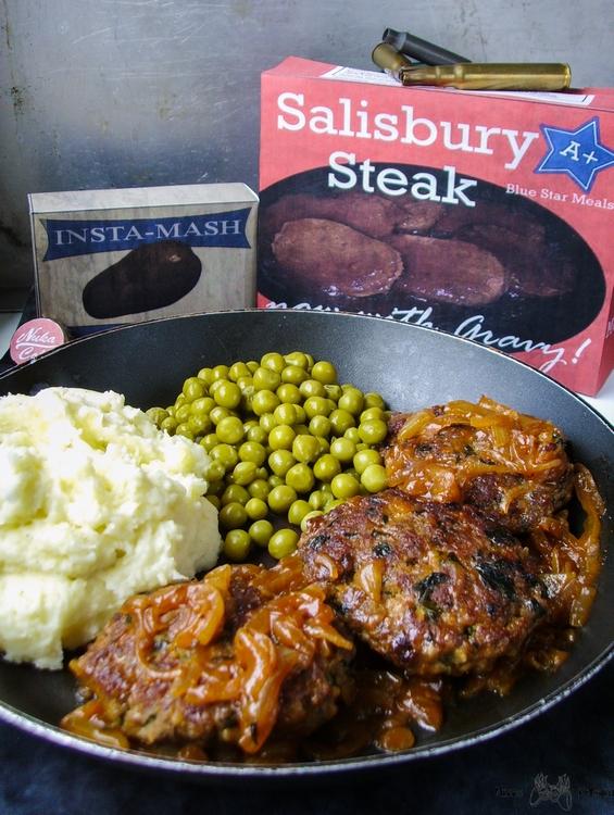 Stek Salisbury i kremowe puree ziemniaczane